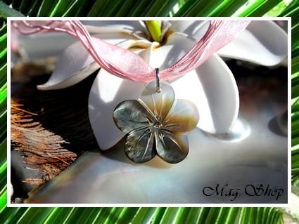 Fleur Hibiscus 2cm Collier Corons Coton & Soie Nacre de Tahiti MAG.SHOP