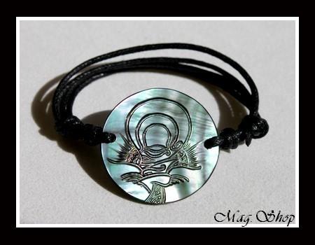 Marquises Collection  Bracelet Tuamotu Tiki Nacre de Tahiti 3cm MAG.SHOP
