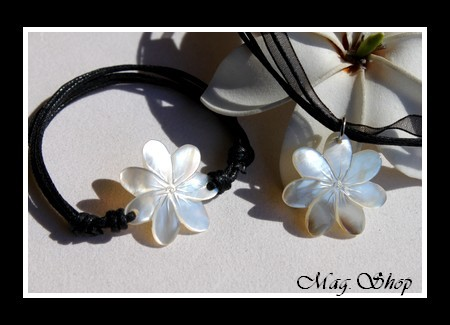 Marquises Collection  Parure Collier & Bracelet Fleurs de Tiaré Nacre de Tahiti Reflets Clairs 2.5cm MAG.SHOP