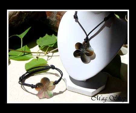 Marquises Collection  Parure Fleurs Hibiscus Nacre de Tahiti 3cm Reflets Marrons-Clairs MAG.SHOP