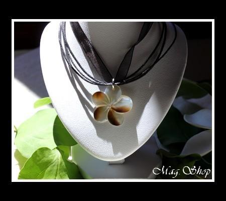 Marquises Collection Parure Miti Fleurs Hibiscus Nacre de Tahiti 2.5cm MAG.SHOP