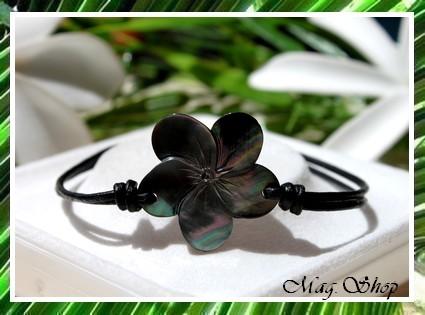 Marquises collection Bracelet Fleur Hibiscus Nacre de Tahiti 2.5cm MAG.SHOP