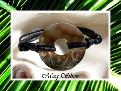Marquises Collection / Bracelet Matavai Vagues / Nacre de TAHITI 3cm / Coton Noir (photos contractuelles)