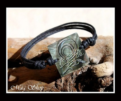 Moana Collection Bracelet Fakarava Gravé TIKI Nacre de Tahiti 2.5cm MAG.SHOP