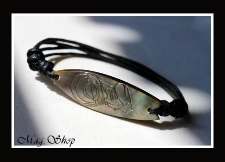 Moana Collection  Bracelet Planche de Surf Tiki Nacre de Tahiti 4.5cm MAG.SHOP