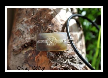 Moorea Maori Collier Nacre de Tahiti H2.5cm Reflets Ocres-Clairs MAG.SHOP