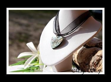 Nuarei Collier Coeur Tortue Nacre de Tahiti Modèle 6 MAG.SHOP