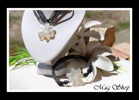 Marquises Collection  Parure Collier & Bracelet Fleurs de Tiaré Nacre de Tahiti Modèle 3 MAG.SHOP