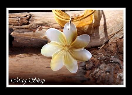 Vaianae Collier Fleur de Tiaré Nacre de Tahiti Modèle 43 MAG.SHOP