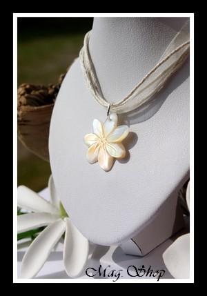 Vaianae Fleur de Tiaré Collier Nacre de Tahiti Modèle 17 MAG.SHOP